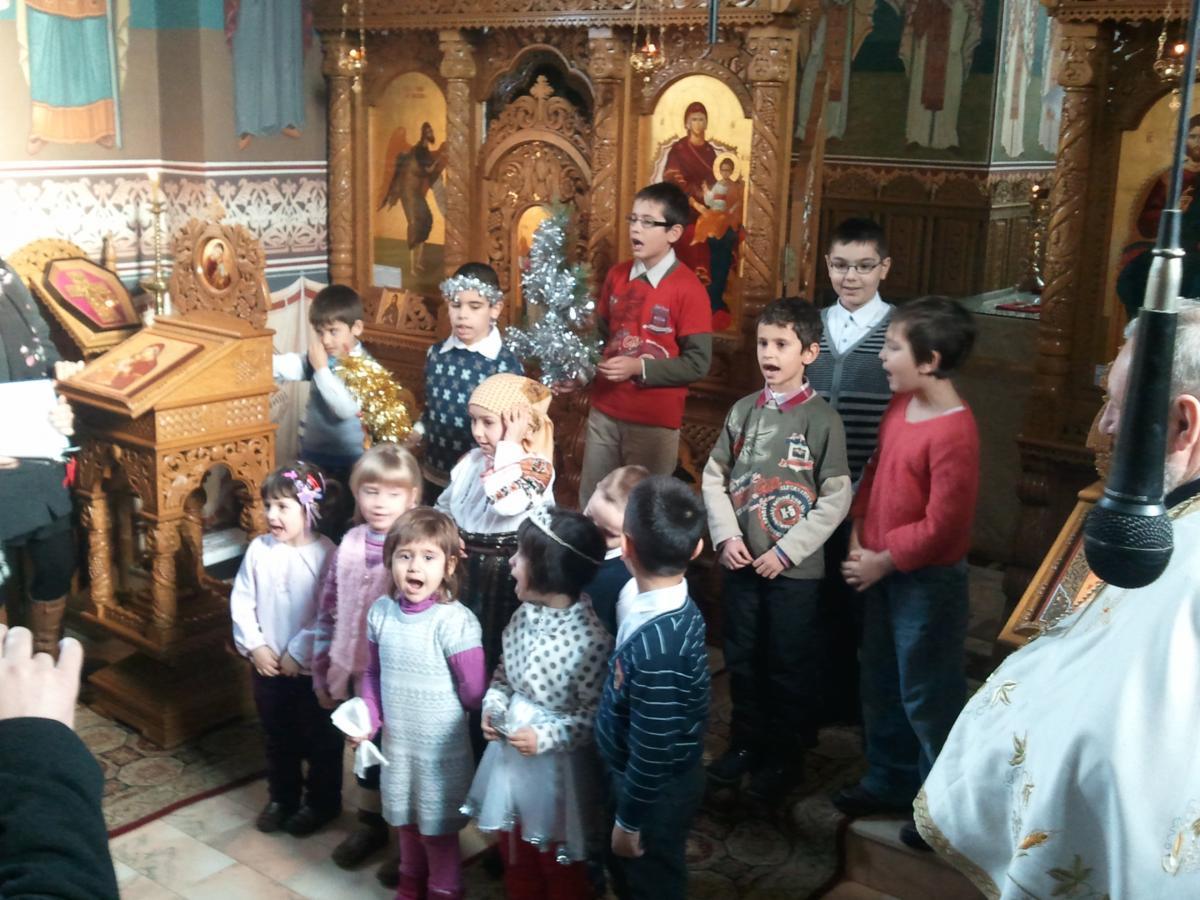 Colindul copiilor din cadrul Cercului artistic-religios